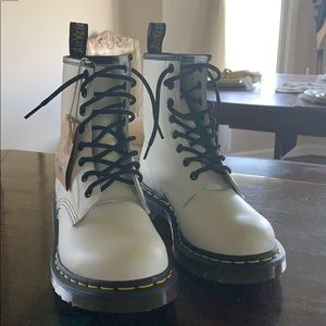 Dr. Martens white boots 8-eyed size 7